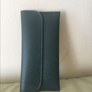 Green Long Wallet with Stylish Car Stitching Multi